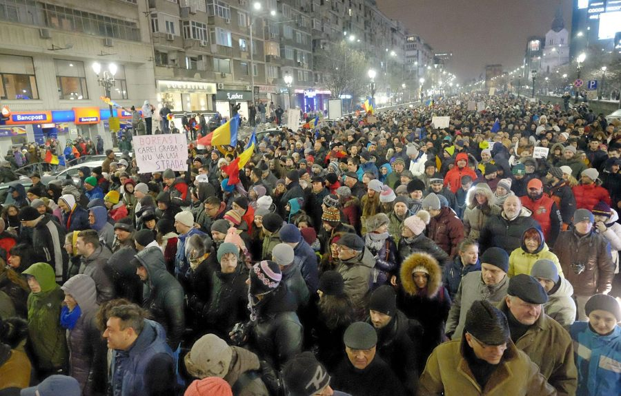 Today in Romania: Government backs down
